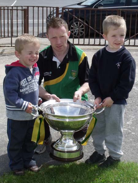 Peter Horan with young fans.